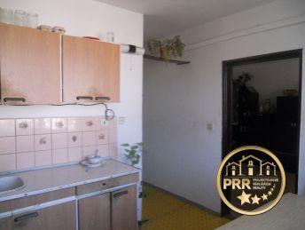 Rezervované !!! 4-izb.byt /98m2/+loggia+špajza+pivnica v obci Bobot pri Bánovciach n/B.