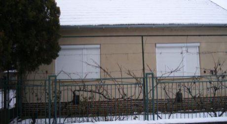 Ponúkame na predaj rodinný dom v obci Šárovce.