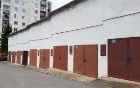 IBA U NÁS Vám ponúkame na predaj garáž v Trenčíne, na sídlisku Juh, ulica Lavičkova o rozlohe 19 m2.
