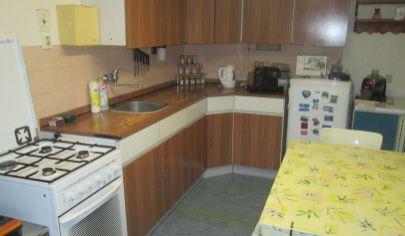 ZAMAROVCE  5 izbový dom pozemok s výmerou 715m2
