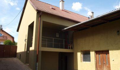 MELČICE - LIESKOVÉ, 5 izbový rodinný dom, pozemok 3407 m2, okr. Trenčín