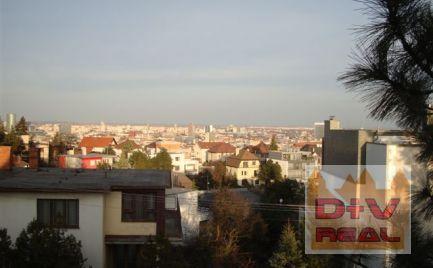 5-izbový rodinný dom vhodný na rekonštrukciu, Bratislava I, Staré Mesto, Riznerova ulica na predaj