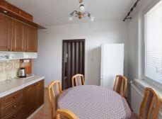 Sládkovičovo (GA): Predaj rekonštr. 3izb bytu 83m2 na zvýšenom prízemí s balkónom