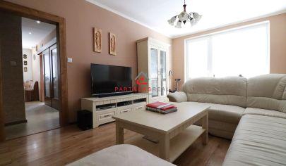 3 izbový byt v oblasti rodinných domov,65m2,loggia, predaj, Košice-Nad Jazerom, Meteorová ulica