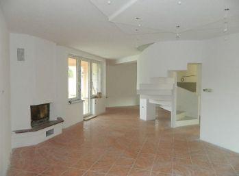 SUPER CENA za  5-izbový rodinný dom po kompl. rekonštrukcii v Seredi