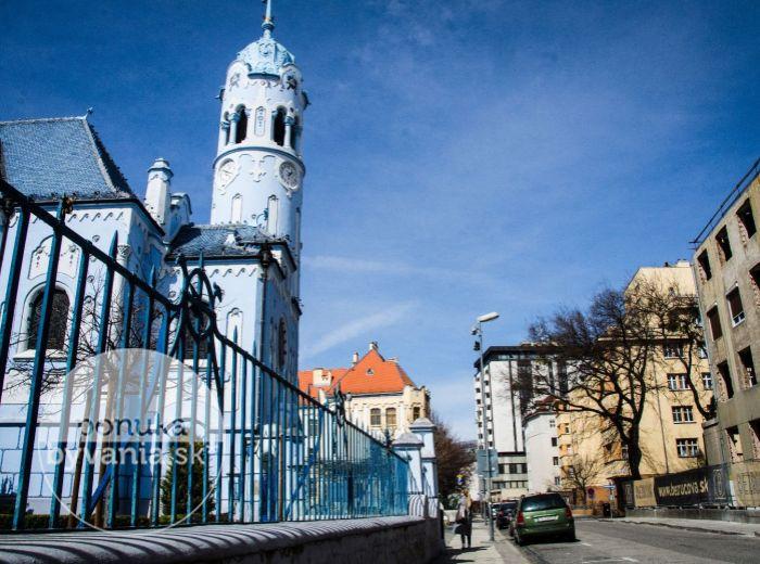 PREDANÉ - BEZRUČOVA, 3-i byt, 133 m2 – luxusné bývanie, veľká TERASA, prestížny rezidenčný komplex v CENTRE mesta, vedľa Modrého kostolíka