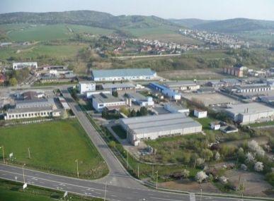 MAXFIN REAL - na predaj priemyselný areál v Humennom.