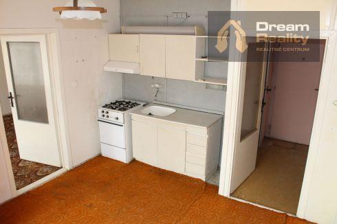 1 - izbový byt na sídlisku Vlčince
