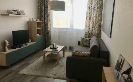 2 zariadený izb.byt s parkovaním v uzvavretom dvore