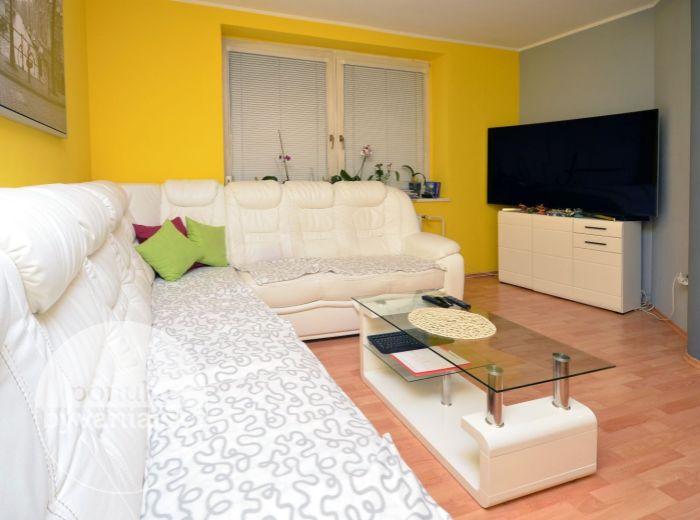PREDANÉ - BEBRAVSKÁ, 3-i byt, 77 m2 - novostavba, TEHLA, vlastné vykurovanie, VEĽKÁ LOGGIA, murovaný ŠATNÍK, komora