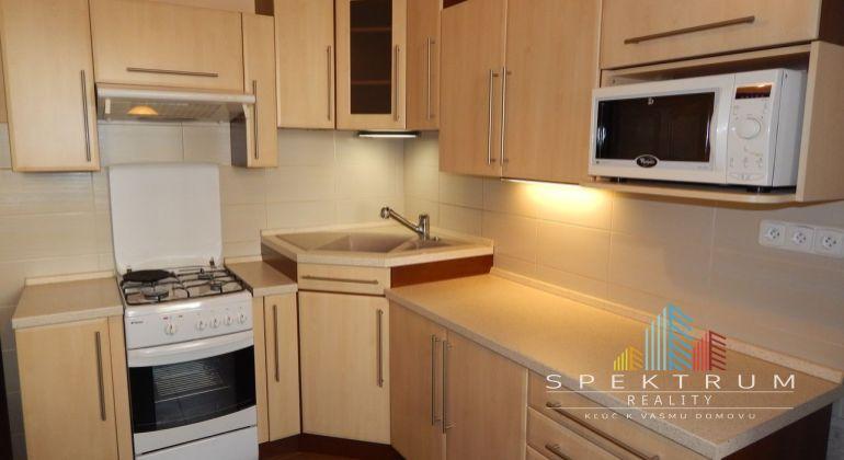 Na predaj 3 izbový družstevný byt, 72 m2, Prievidza, Necpaly