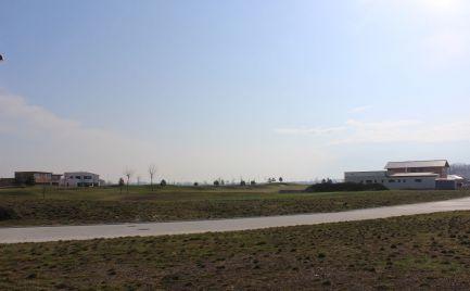 Pozemok vrátane IS - výstavba RD alebo rekreačný bungalov v krásnom prostredí - Golfový resort