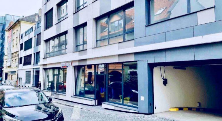PRENÁJOM garážové státie v centre mesta, Jozefská ul, pri hoteli TATRA, lokalita Bratislava -Staré Mesto, novostavba  Weinhauer