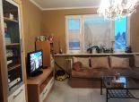 REZERVOVANÉ Predaj 2 izb. bytu na Hraničnej po  čiastočnej rekonštrukcii, samost.izby, loggia.