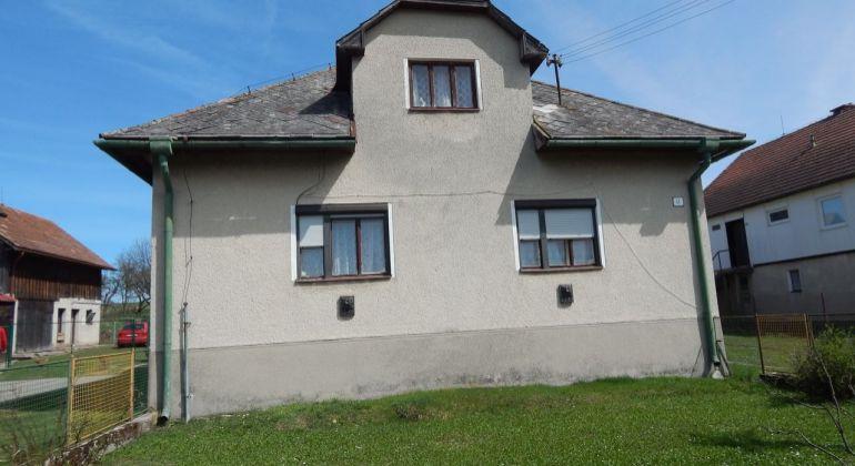 Na predaj 2 izbový rodinný dom, 1906 m2, Dubové, okres Turčianské Teplice