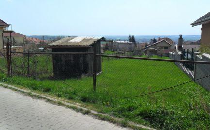 Predám stavebný pozemok na Zobore v Nitre s výhľadom na mesto.