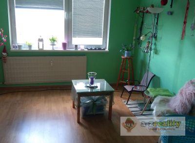 2684 Na predaj 2-izb.byt v N.Zámkoch