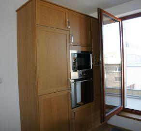 StarBrokers – Na prenájom nový 3-izbový byt v centre Starého Mesta s parkovaním