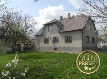 Rezervované !!! Na predaj dvojgeneračný RD s pozemkom 1100m2 v obci Svinná.
