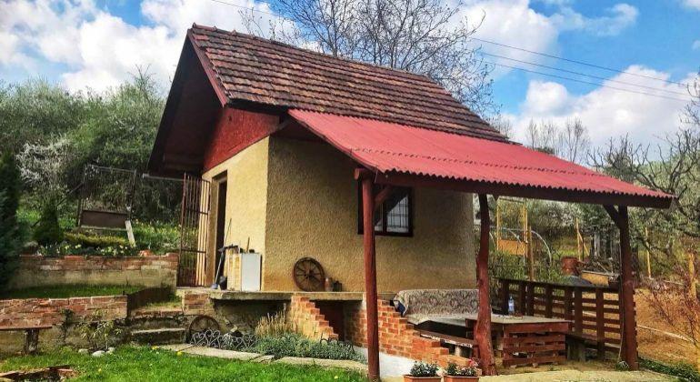 REZERVOVANÉ-Na predaj záhradná chatka v BN /terasa, pozemok347m2