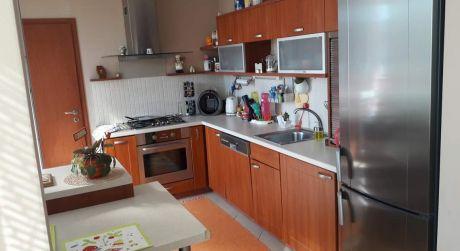Na prenájom pekný 3-izb veľky byt v Nových Zámkoch ul.G Bethlena.