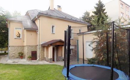 Rodinný dom 160 m2 , 6 - izbový,dvojgaráž, rekonštrukcia, Vrútky