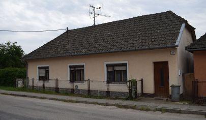 Rodinný dom Vaďovce s veľkým pozemkom 2242 m2