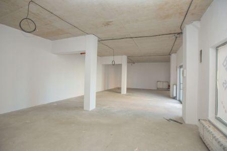 IMPEREAL - Predaj - Obchodný a skladový priestor, 106 + 212 m2, Kazanská ul., Bratislava Pod. Biskupice