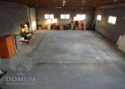 DOMUM - Podnikateľský objekt v priemyselnej časti Novom Meste n/V, 951m2