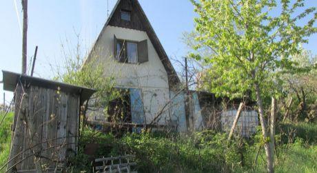 Na predaj záhradná chatka s krásnym výhľadom a s príjemným realaxom