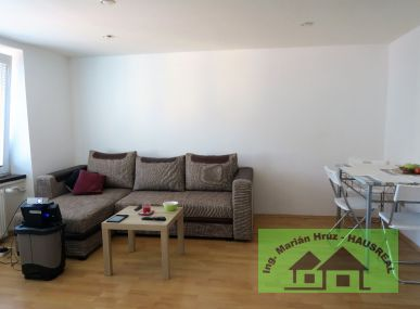 Pekný 3-izbový byt, 64 m2, zrekonštruovaný, Tlmače-Lipník