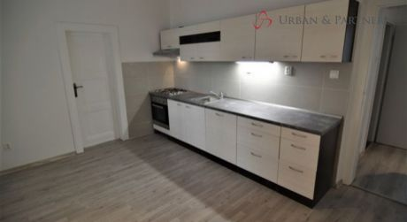 Prenájom 3,5 izbového bytu na Medenej ulici v centre vhodného aj na sídlo firmy