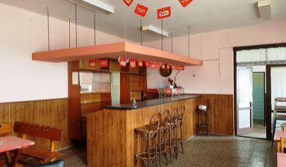 PODHRADIE - prosperujúca reštaurácia, okr. Topoľčany