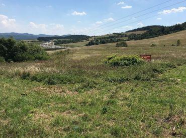 Predaj pozemku v obci Ovčiarsko, 1600m vhodný na ľahký priemysel a občiansku vybavenosť, Cena: 48.000 €