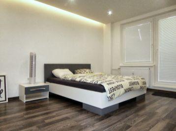2-i byt, 62 m2 – kompletná REKONŠTRUKCIA, priame CENTRUM