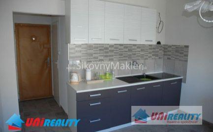PREDANÉ !!! BÁNOVCE NAD BEBRAVOU- 1 izbový byt / CENTRUM / Kompletná rekonštrukcia