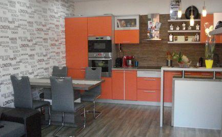 REZERVOVANÝ - Nadštandardný 3 izb byt s veľkým úložným priestorom v širšom centre Dunajskej Stredy