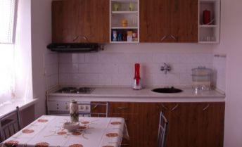 DRK- 1 izbový tehlový byt na predaj - rezervovaný
