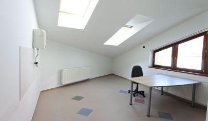 APEX reality - prenájom kancelárie s výmerou 40 m2 na ul. Pri cintoríne v Hlohovci