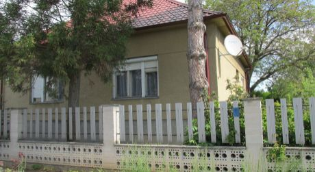 REZERVOVANÉ Rodinný dom v Zlatých Moravciach 10min od centra mesta