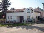 Zvolen, mesto – polyfunkčný dom s 2 bytmi, kancelárie, sklad, 2 garáže