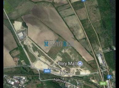 Predaj pozemku - Lamač 7435 m2.