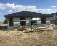 Staviame ! Krásny bungalov v  obci Hviezdoslavov