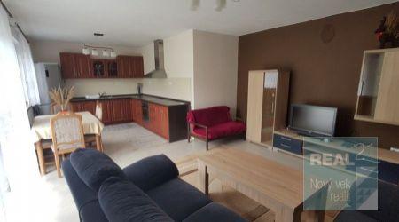 Ponúkame na prenájom byt v rodinnom dom v Praznove.