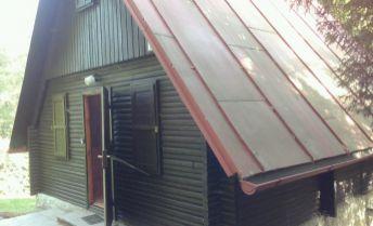 Rekreačná chata v lese, 3podlažia, pozemok 816 m2, Kálnica okr.NM.