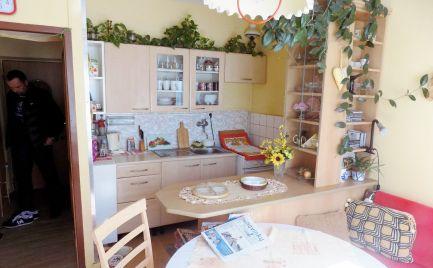 1. - izbový byt 32 m2, rekonštrukcia v lokalite Martin