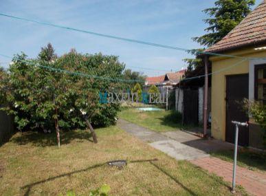 MAXFIN REAL - ponúka na predaj rodinný dom v Šoporni