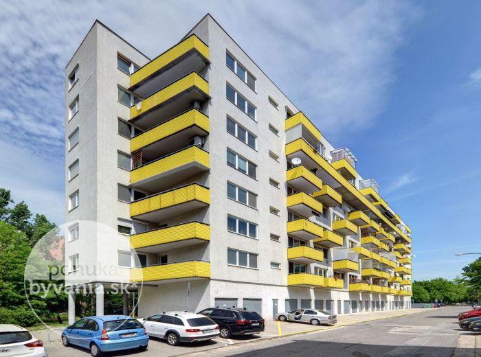 PREDANÉ - HAANOVA, 2-i byt, 45 m2 - pivnica, VLASTNÝ KOTOL, bezproblémové parkovanie, NÍZKE NÁKLADY