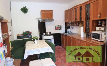 Pekný 4-izbový RD, 130 m2, komora, garáž, 9 árový pozemok, Veľké Chyndice