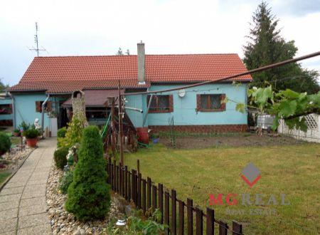 Rodinný dom v tichej lokalite Trstína